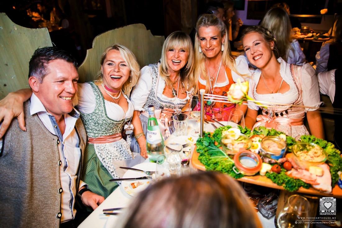 HEARTHOUSE Bergfest: Die Member Wiesn in der Käfer Wiesn-Schänke